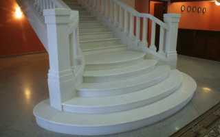 Белая лестница в интерьере – нет ничего невозможного