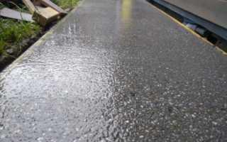 Нужно ли поливать фундамент водой после заливки – насколько важен уход за бетоно