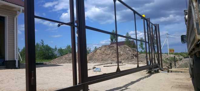 Откатные ворота на винтовых сваях – сравнение отличий, конструкция, монтаж