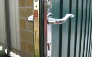 Врезной замок для металлической двери: как выбрать?